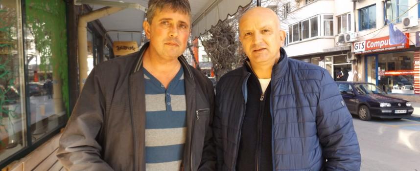 Училищното настоятелство на Математическата търси справедливост, съмняват се в злоупотреби направени от директора Ангел Велков