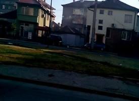"""Кола се заби в къща на """"Стефан Караджа"""" в Пазарджик /обновена/"""