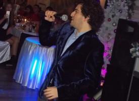 Светска хроника: Рафи Бохосян весели арменската общност на Коледен бал