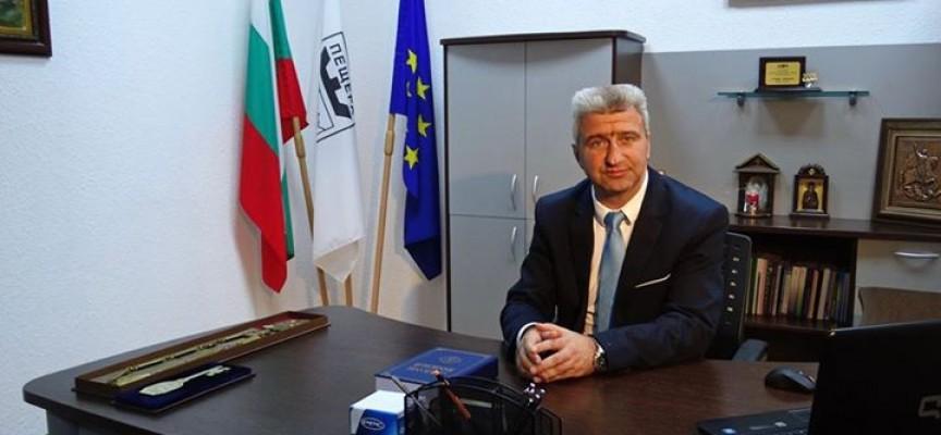 УТРЕ: Николай Зайчев сключва първият договор за саниране
