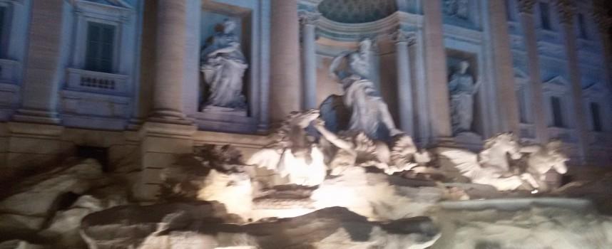 В Рим: Фонтанът Ди Треви стана екран заради Олимпийските игри /снимки и видео/