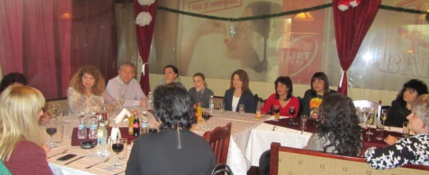 Евродепутат Илияна Йотова се срещна с Обединението на жените социалистки в Пазарджик
