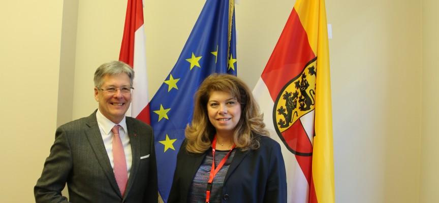 Илияна Йотова се среща с министър на Бавария за подкрепата на планинските райони