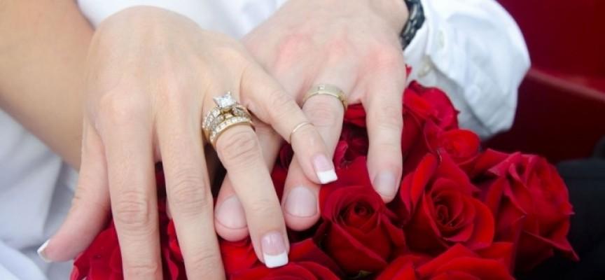 Статистиката: Мъжете се женят на 30.6 години през ХХI век