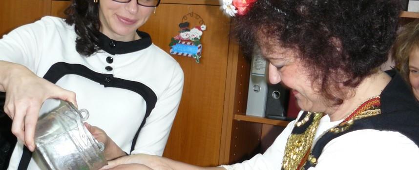 На Бабинден: 21 млади баби празнуваха днес в РЗИ