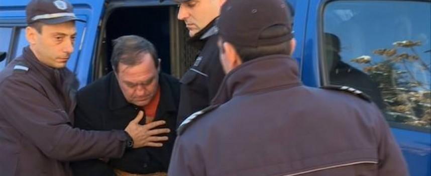 Евстатиев остава в ареста