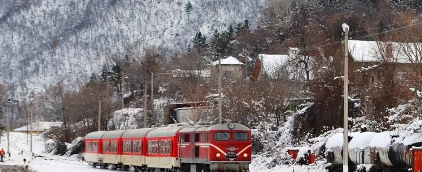 "Реновиран влак ""Юндола"" пое тази сутрин към Добринище"