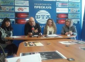 Златка Грудева и Тодор Тодоров дариха бални костюми на 11 абитуриенти