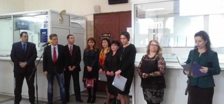 Информационен център посреща гражданите в съда