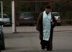 Героите на прехода: Отец Гелеменов от скинхедс до демоните
