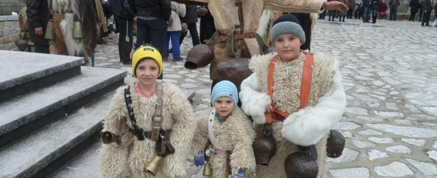 """Ето го най-малкия дервиш – носител на златен медал от """"Сурва 2016″ в Перник"""