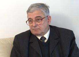"""Акад.Кендеров дари 267 заглавия на Регионална библиотека""""Никола Фурнаджиев"""""""
