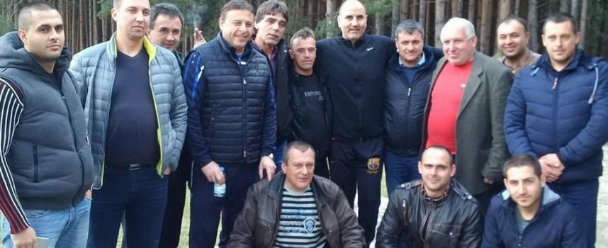 """Във Велинград: Цветанов отмаря в """"Двореца"""" и се срещна с кметовете от общината"""