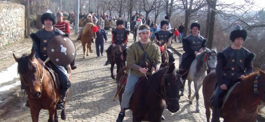 УТРЕ: С мажоретки и конска опашка стартират Тодоровден в Баня