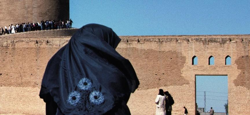 С бурка или не? Защо хиджабът е задължителен в ислямския свят?