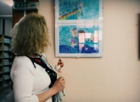 Школата по рисуване откри изложба в Библиотеката заради националния маратон на четенето