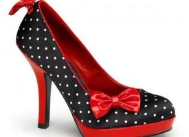 Пантофките на Пепеляшка или Маноло Бланик? Избрахте ли обувките за бала?