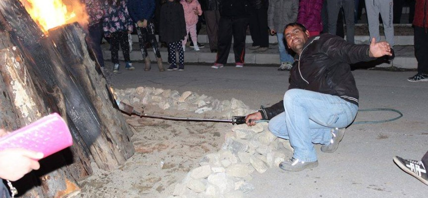 Разкритие: Хванаха кандидат-кмет на Пазарджик да краде розите в Септември