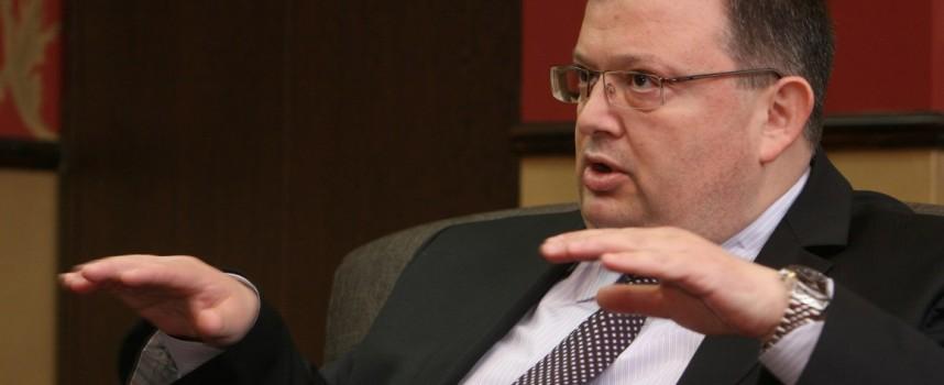 Искат оставката на Влайков, Сотир Цацаров инспектира случая