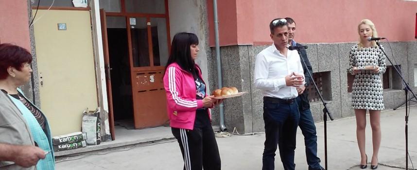"""168 семейства от """"Пловдивска"""" ще имат модерен блок в края на септември"""
