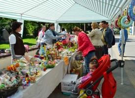 Майките откриха своя Великденски базар
