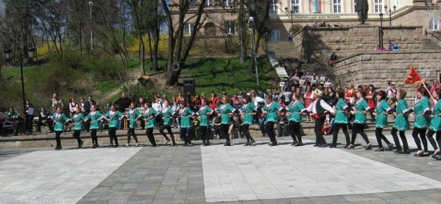 """На 23 април: Брацигово кани на надиграване """"Лазарска броеница"""""""