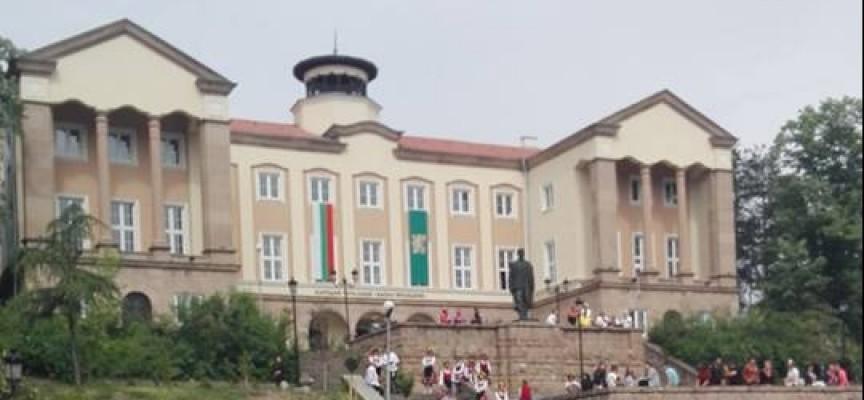 """Бунтовните градове: В Брацигово започна четвъртата """"Лазарска броеница"""""""