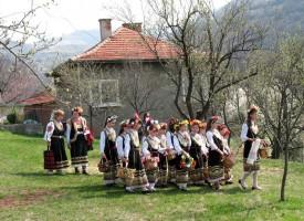 Традиционните фолклорни празници предстоят на Лазаровден и Цветница
