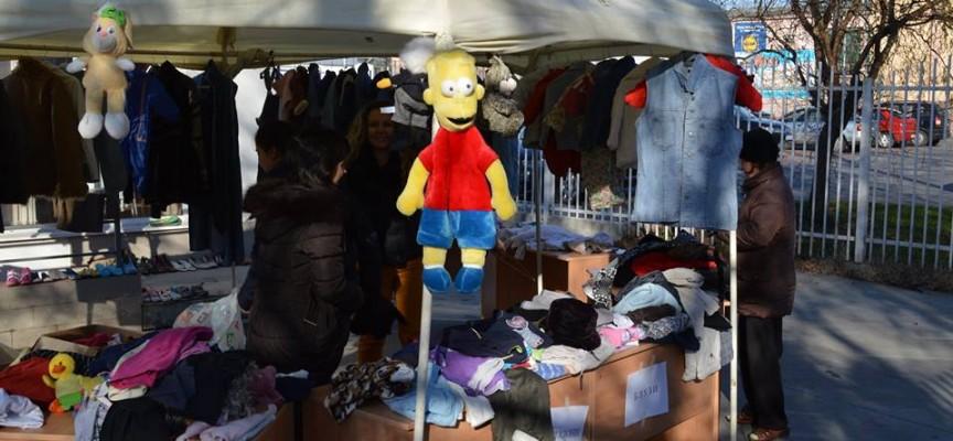 На Велика сряда: Комплексът за социални услуги подарява дрехи, обувки и играчки