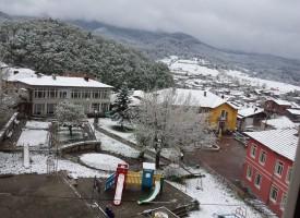 Пет сантиметра сняг в Нова Махала