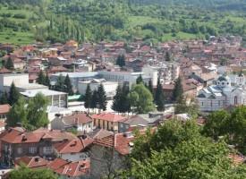 Бунтовните градове: Младите от БЧК в Батак с благотворителна акция за Великден