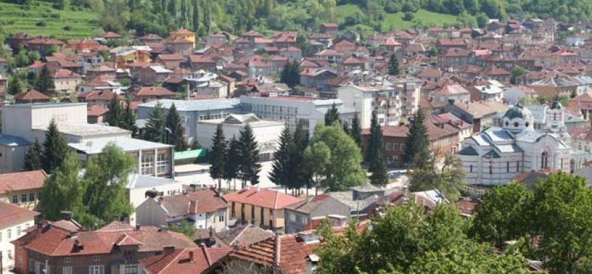 Батак и Ракитово: Иззеха незаконен тютюн от две къщи