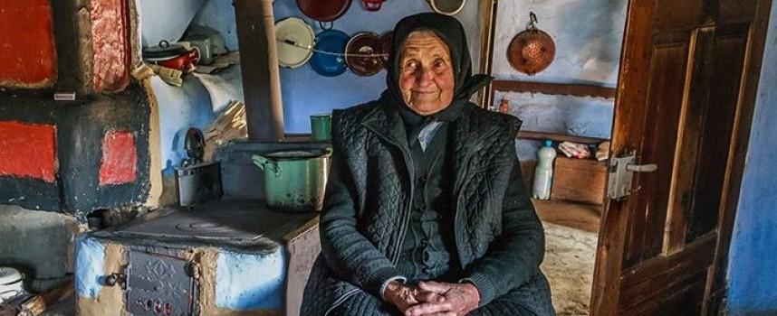 БЧК събира помощи за пенсионери на кратък номер 1255