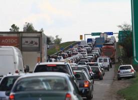 Катастрофа затвори едното платно на магистралата, шофирайте внимателно