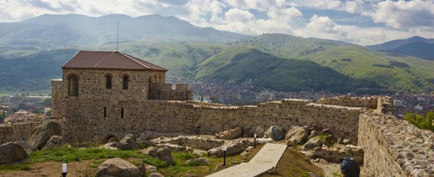 Посетете Перистера, крепостта на гълъбите