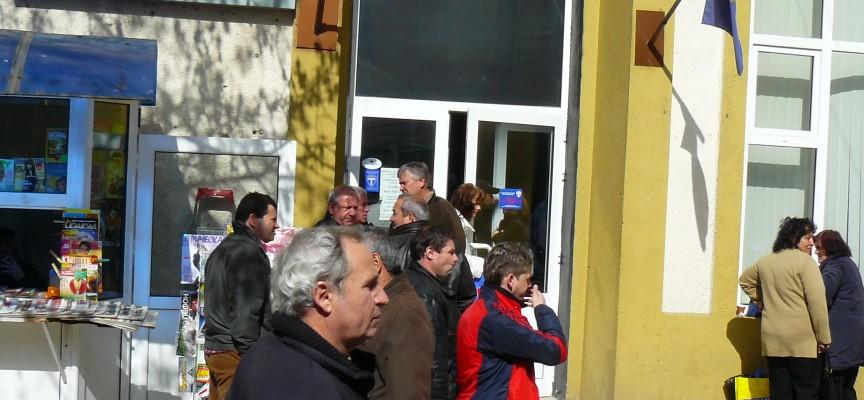 В страната: Само 26 000 българи ще ползват 5% отстъпка от данъка върху доходите