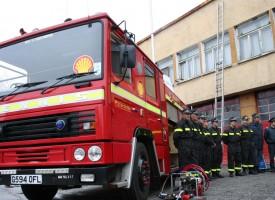Товарен камион горя в Белово