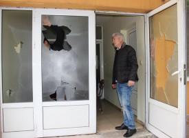 Вандалщина в Лозен – помляха стъклата на Младежкия клуб