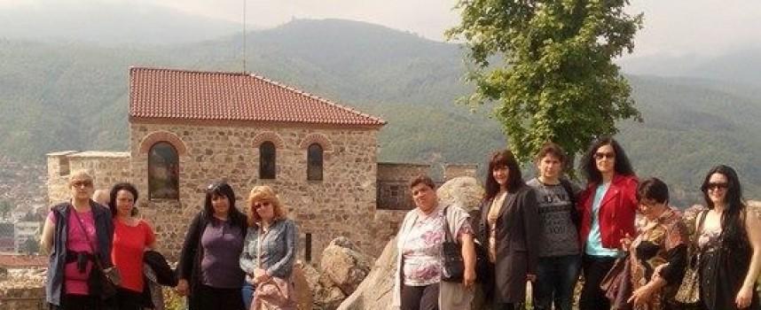 Шефки на читалищни библиотеки си дадоха среща в Пещера