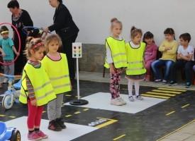 На Острова: Деца се обучават по безопасност на движението преди ваканцията