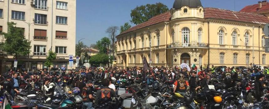 Рокерите тръгнаха от София, за да направят автопохода си до Батак