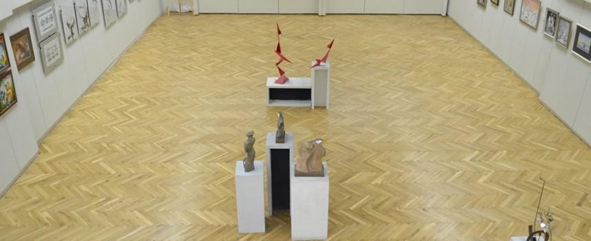 """Утре: """"Осем"""" като безкрайност или изложбата, която предстои"""