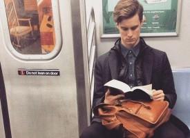 """Какво четеш: """"Съдбовно бягство"""" оглави Топ 10 на """"Хермес"""" през Страстната седмица"""