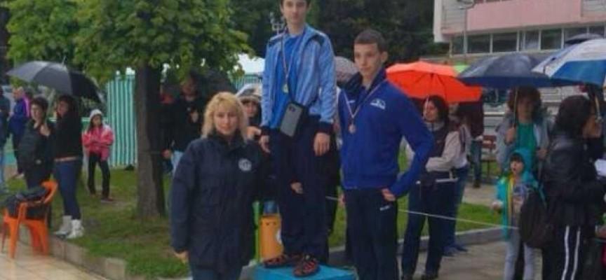 """С два медала се върнаха от Сандански плувците на СК""""Мустанг"""""""