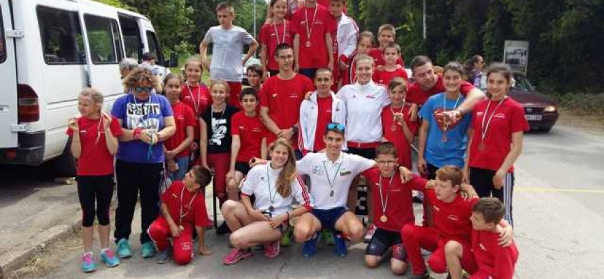 """Четири държавни шампиона и общо 13 медала за СК""""Шампион"""""""