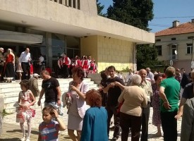 В Септември: Кметът Рачев подписа договорите със 7 читалищни настоятелства
