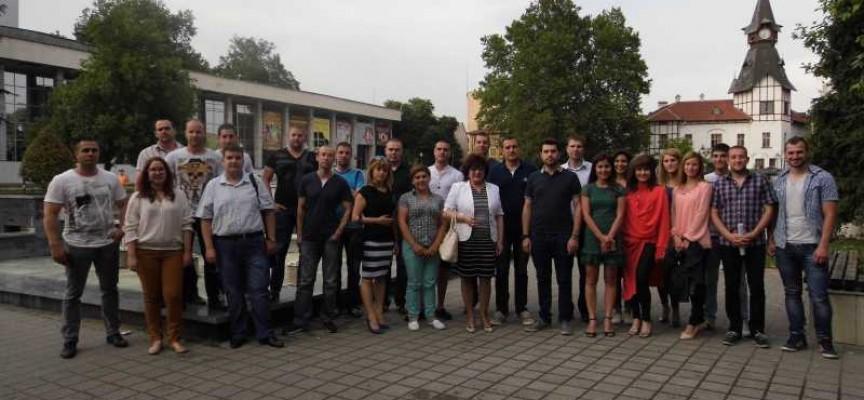 Младите гербери правят Регионална академия през юли