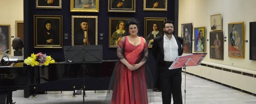 """Концерт в галерията и """"Покаяние"""" на открито нахраниха душите на пазарджиклии"""