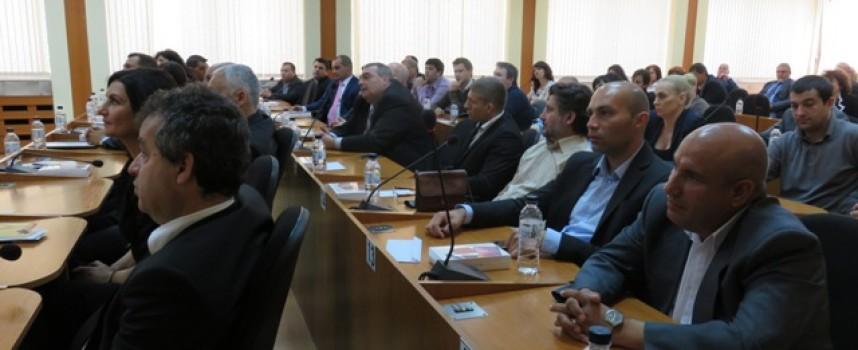 Днес да почерпят: Съветниците се сдобиха с таблети за празника на Пазарджик