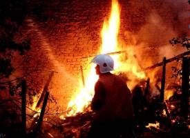 Две кончета изгоряха в пожар на сайванти в Огняново